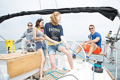 Yacht, sailing, Teenagers sailing